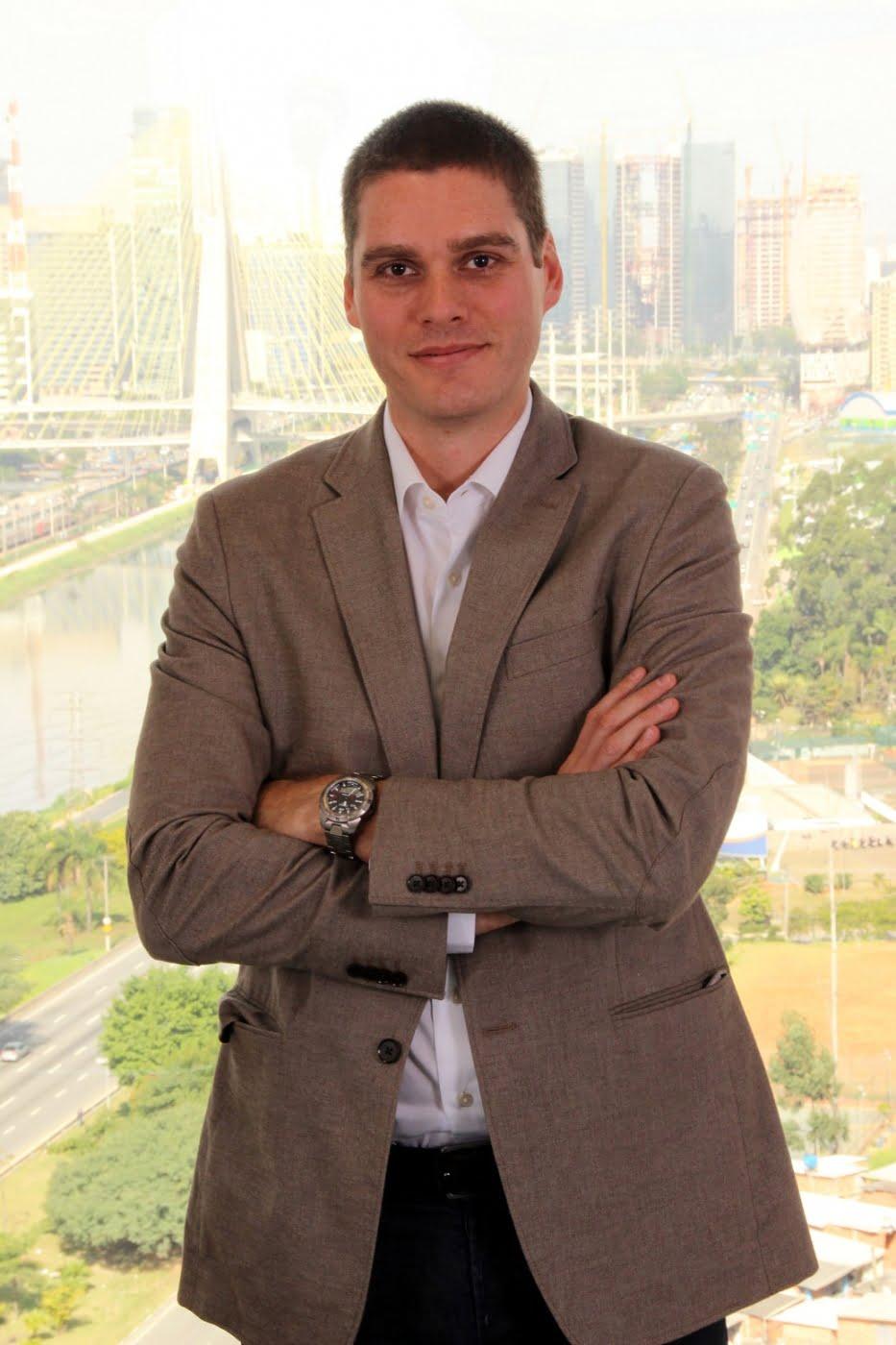 Fabio Boucinhas trocou o negócio da família pela carreira executiva para trocá-la agora por um negócio próprio com a seguinte visão: investir na felicidade dos colaboradores para que eles atendam melhor os clientes