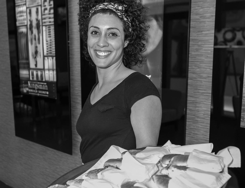 A vida de Priscila Sabará parece ter confluído para que ela criasse o Foodpass - design de delírios gastronômicos: arte + diversão + comida.