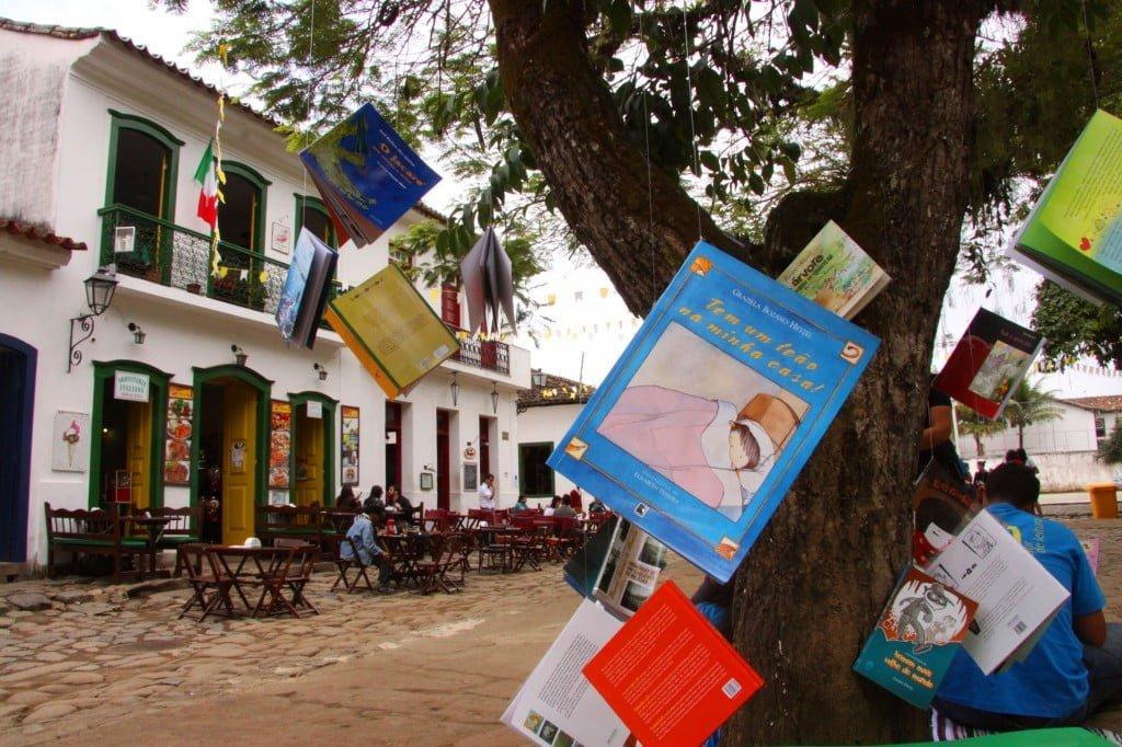O Formas Breves nasceu na penúltima Flip, de um bate-papo entre os quatro sócios, que sonhavam em inovar na indústria de livros brasileira