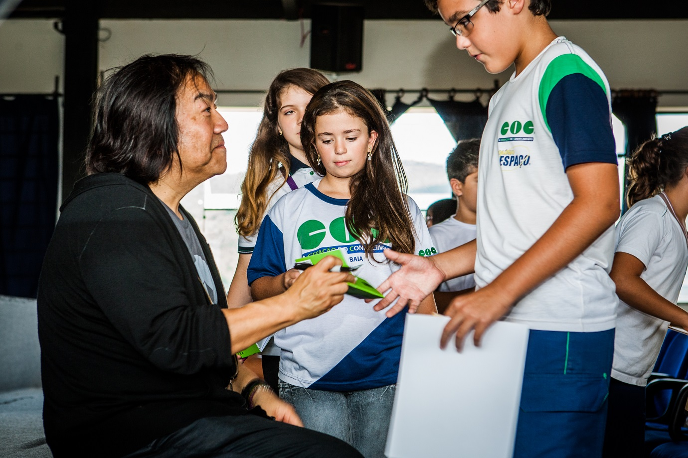 """John Kao se diz um """"ativista da inovação"""" e já trabalhou com mais de 500 crianças no Brasil mostrando que há sempre um jeito melhor e mais divertido de fazer as coisas"""