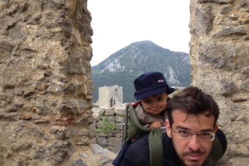 Ricardo Cesar, em dia de exploração arqueológica. Arthur, às costas, infelizmente não pôde comparecer ao TEDGlobal 2014: South! devido a compromissos previamente assumidos