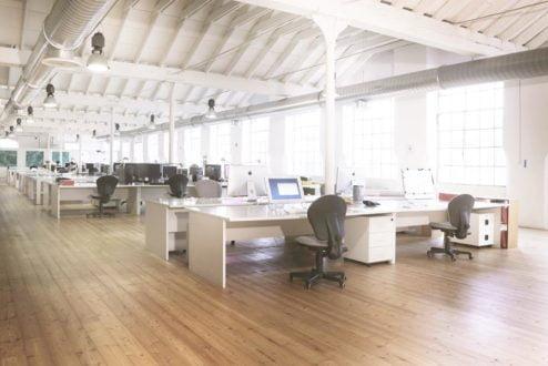 Em um coworking, o empreendedor tem mais chances de fazer networking (Imagem: Wikimedia Commons/Reprodução).