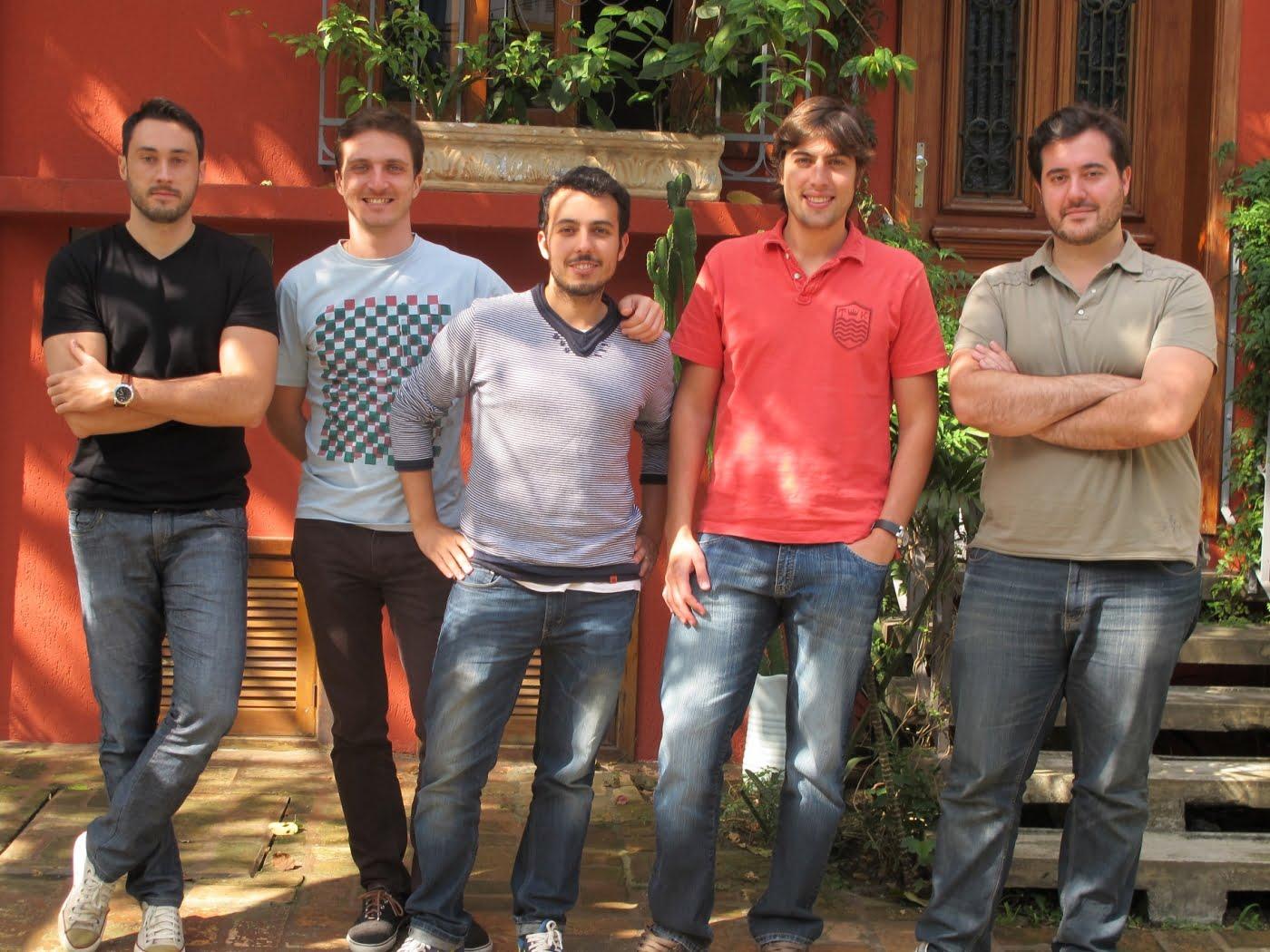 Los cinco amigos da Descola: Gustavo Paiva, Caio Casseb, Atair Trindade, André Tanesi e Daniel Pasqualucci