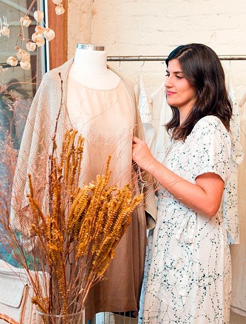 Da Vila Madalena para o mundo - a moda de Flavia Aranha busca causar um impacto positivo na vida das pessoas