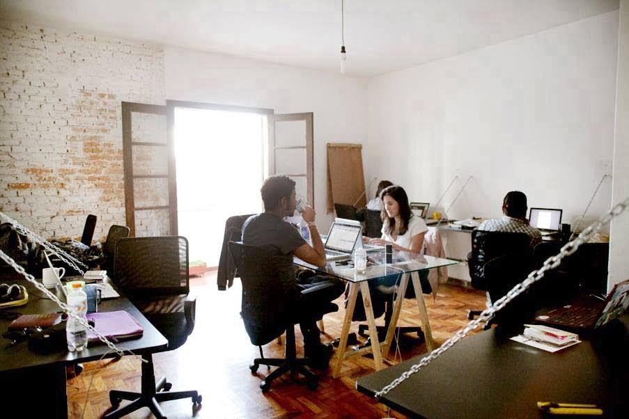 O espaço de trabalho d'oGangorra fica na Vila Madalena, no mesmo sobrado que abriga o bar e bicicletaria Las Magrelas.
