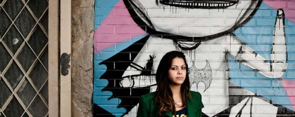 Janara Lopes, idealizadora da revista online IdeaFixa, se dedica desde 2006 a acompanhar o que há de mais inovador e criativo no universo das artes visuais no Brasil e no mundo