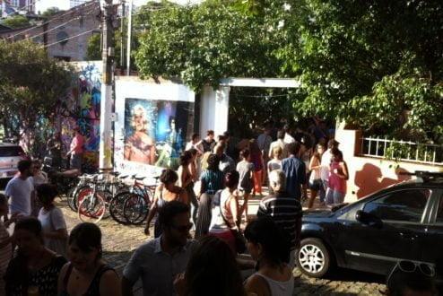 Rua da Tag and Juice, na Vila Madalena, em uma das muitas tardes de encontro da enorme comunidade de bikers e amantes da arte.