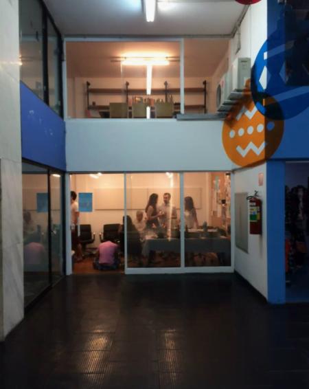 O escritório do InternetLab fica dentro da Galeria Ouro Fino, na rua Augusta, em São Paulo.