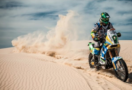 Bernardo curte motocross e acredita que a imprevisibilidade de um rally é um bom treino para o empreendedor.