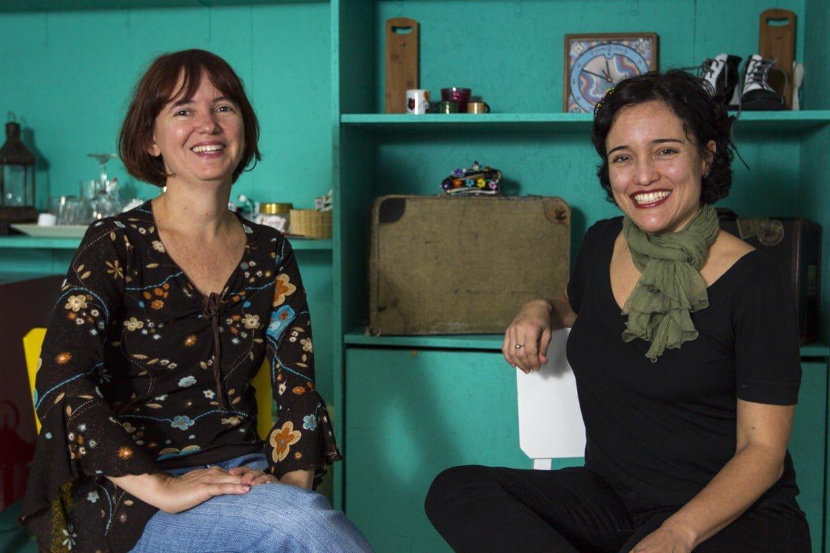 Mônica e Marina, sócias e palhaças profissionais: uma dupla que se complementa nas performances e também na administração do negócio.