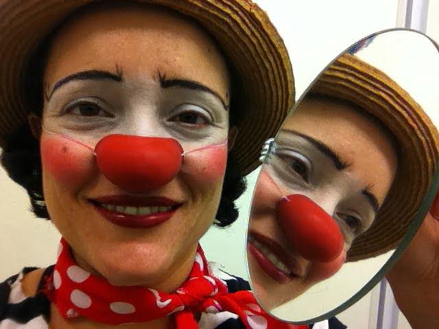 Marina Campos, a caráter, pronta para mais um dia de trabalho.