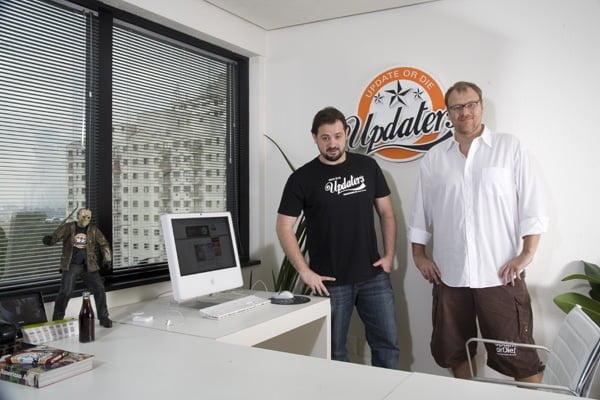 Update or Die: Gustavo e Wagner na sede da empresa que criaram praticamente juntos.