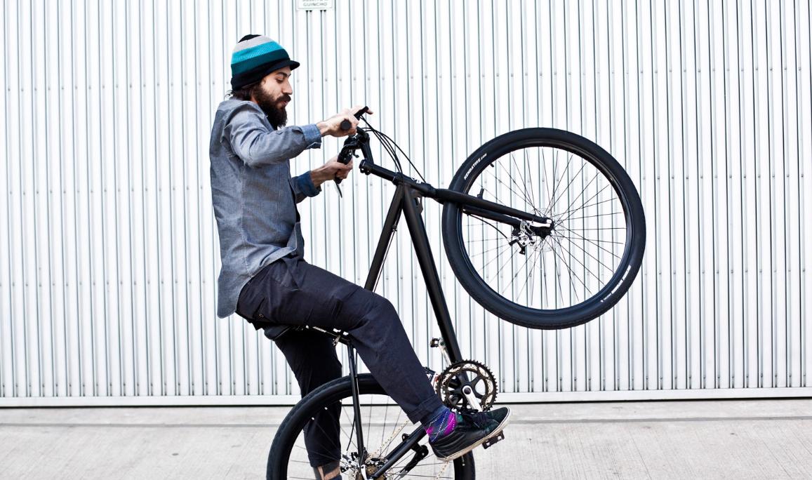 Rodrigo Villas, o designer que virou restaurador de bicicletas (foto: Raquel Espírito Santo).