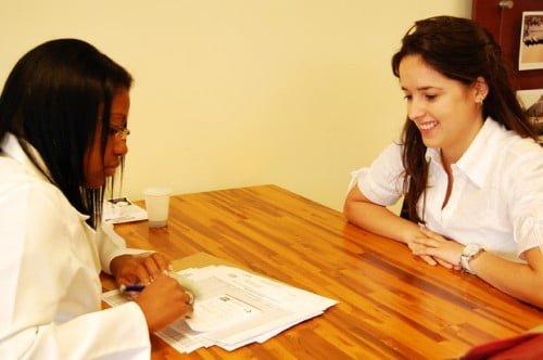 Em parceria com a Secretaria de Saúde, o Viva Rio leva atendimento para 1,6 milhão de moradores de favelas cariocas.