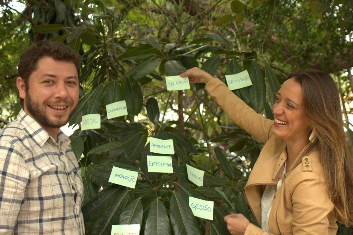 Thadeu e Daniele, sócios da Entrenós, em um evento de facilitação promovido pela consultoria (foto: Maurício Araújo).