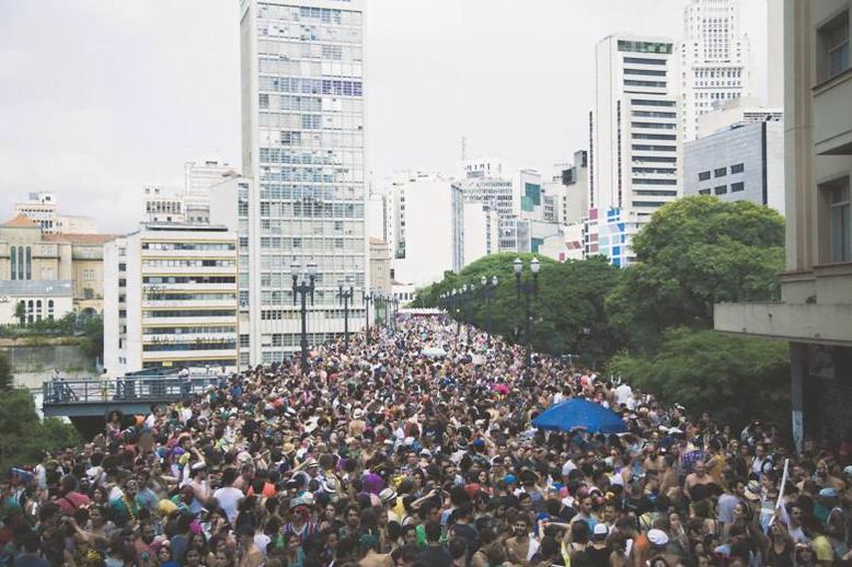 Desfile do bloco Tarado Ni Você, financiado via Sibite (foto: Giselle Galvão).