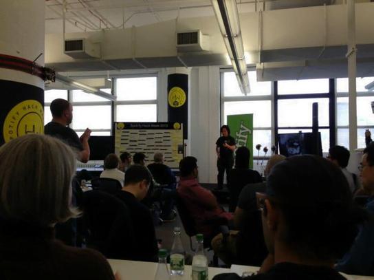 Hack Week do Spotify em Nova York: todos param durante sete dias para trabalhar em projetos 100% novos.