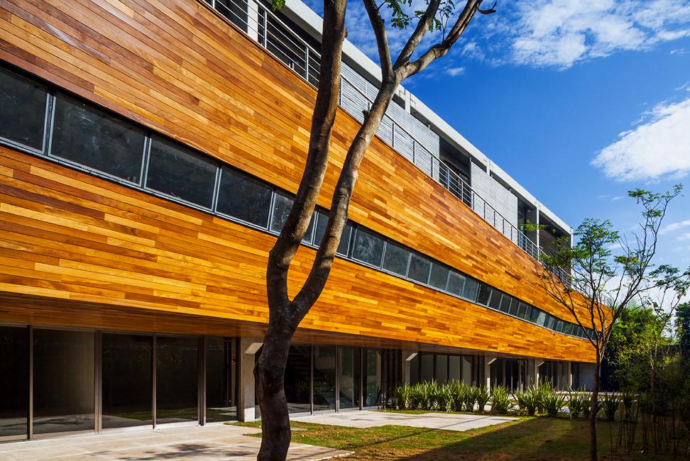Fachada estilizada do prédio onde fica o escritório do Spotify, em São Paulo.