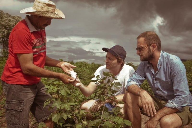 Sébastien Kopp e François-Ghislain Morillion, que viajaram o mundo em busca de projetos sustentáveis, acharam seu propósito no Brasil.