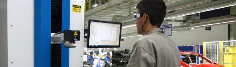 Máquina da Welle sendo operada numa indústria: cada vez mais tecnologia e menos sujeira.