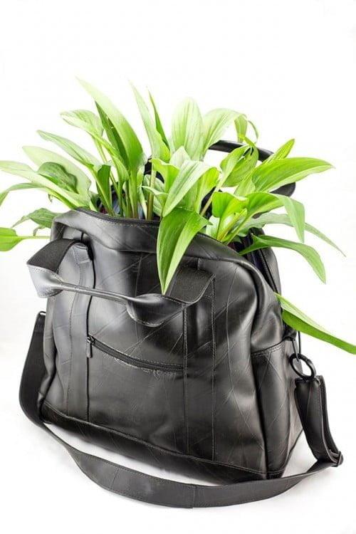 A weekend bag foi o primeiro produto desenvolvido pela Vuelo.