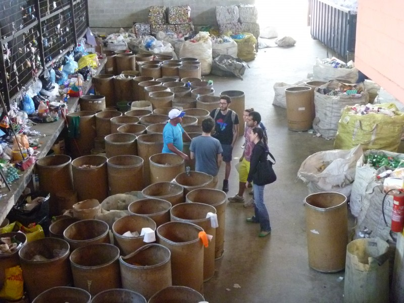 Alunos da Kellogg School visitara a Cooperativa Nova Esperança, que inspirou o nome da New Hope Ecotech.