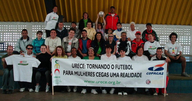 A equipe feminina de futebol, treinada pela Urecê, é campeã mundial.
