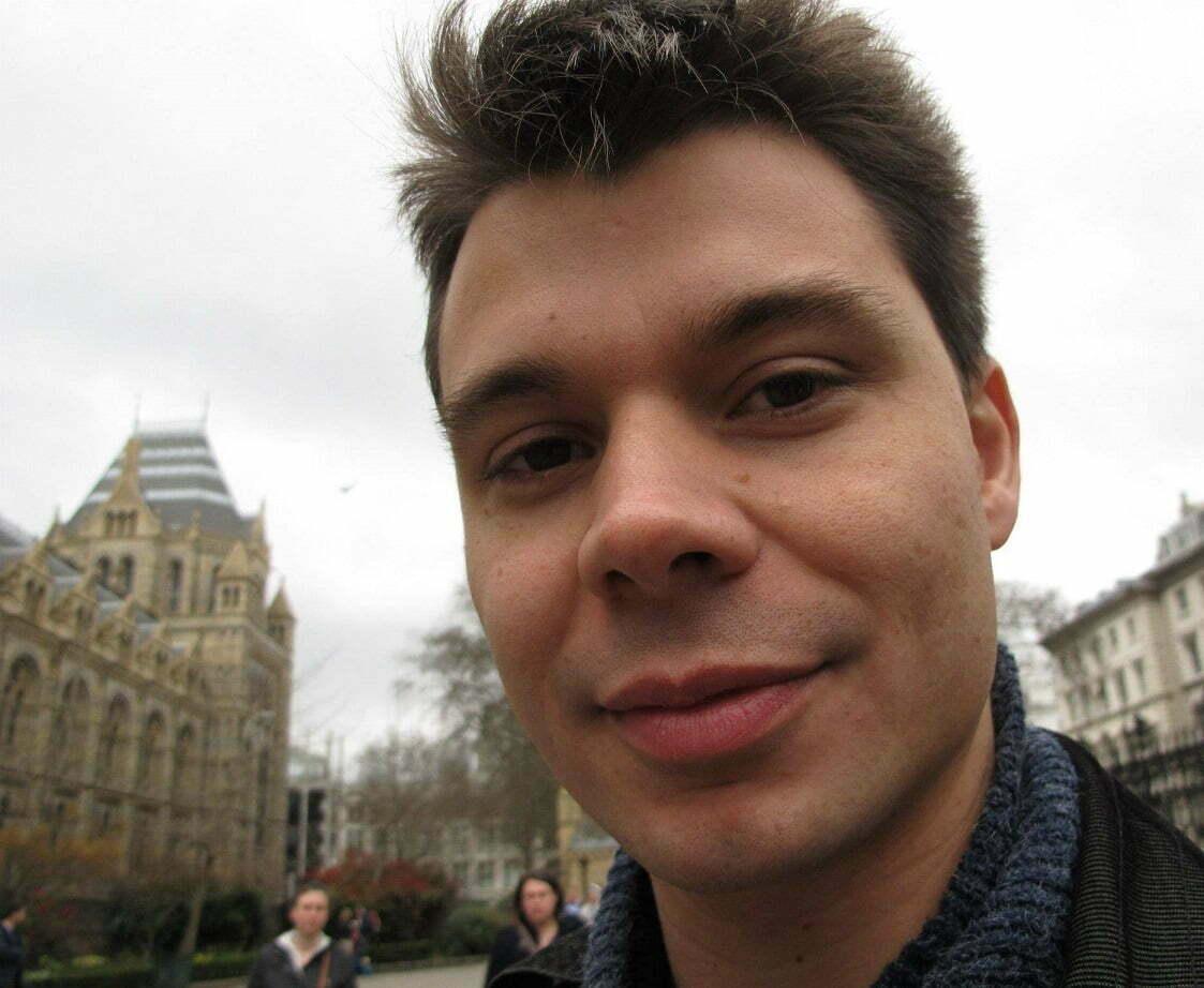 Ele saiu do Brasil, se deu bem em Londres, e divide aqui os passos que considera cruciais para qualquer brasileiro que deseje viver e trabalhar no exterior