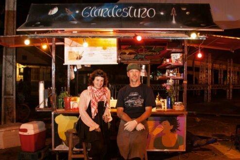 Thaís Oliveira e Chris Kaulfmann, do Clandestino, em Paraty (foto: Luis Simione).