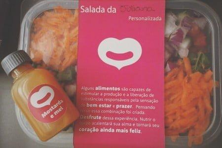 A embalagem personalizada do Saladorama vai com o nome do cliente.