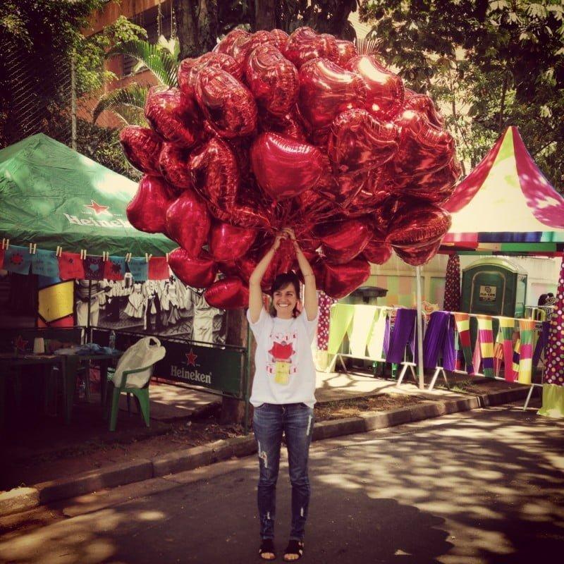 Mari espalhando amor na Loveblock, no carnaval deste ano em São Paulo.