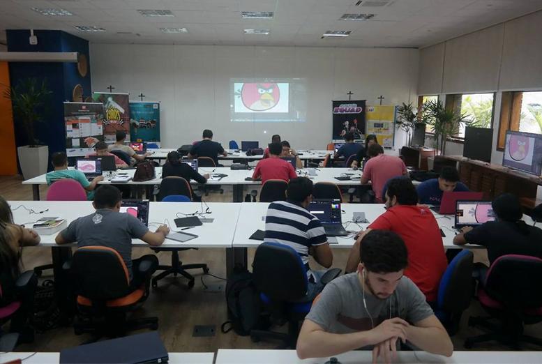 Aula de ilustração digital para jogos, no Samsung Ocean de Manaus.