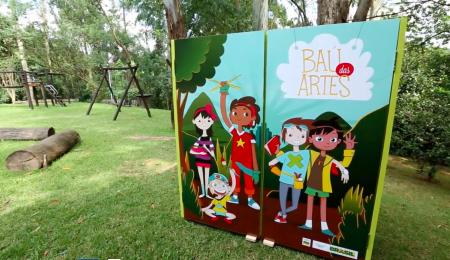 O Baú das Artes, um dos projetos da Evoluir, é modular e replicável, tendo estado presente em milhares de escolas públicas do país.