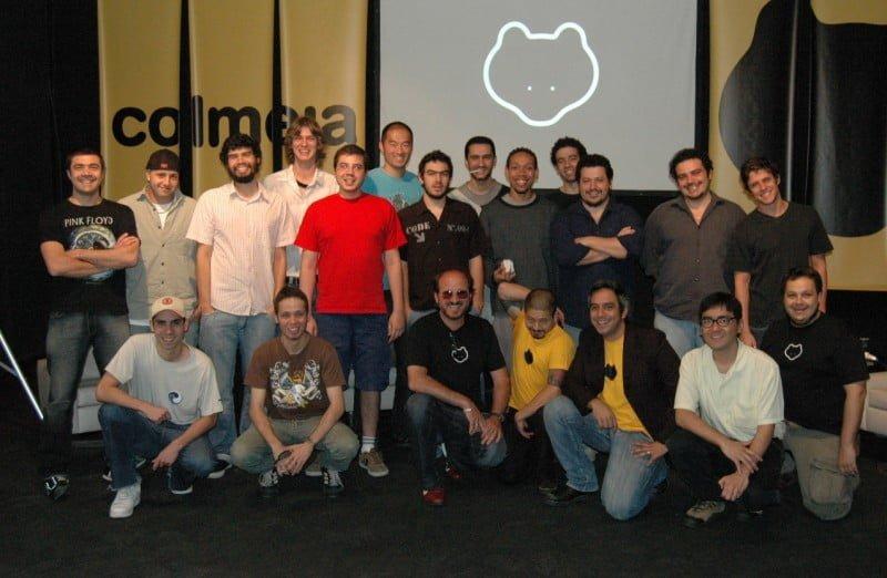 Fundadores e funcionários da Colmeia no dia do lançamento oficial da empresa, em 2007.