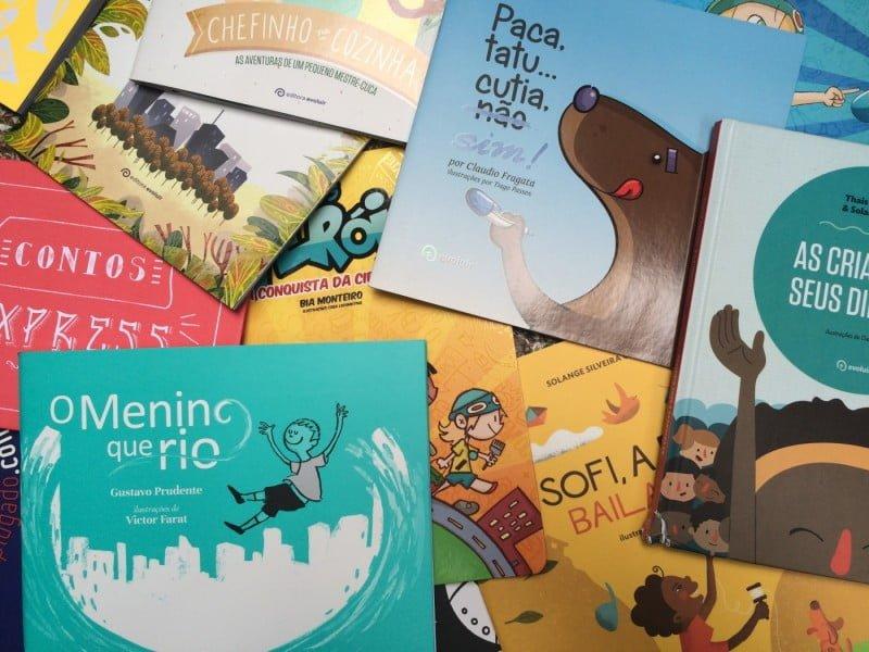 Alguns livros do catálogo da Evoluir: o negócio começou como editora e hoje tem 4 frentes de atuação ligadas à educação.