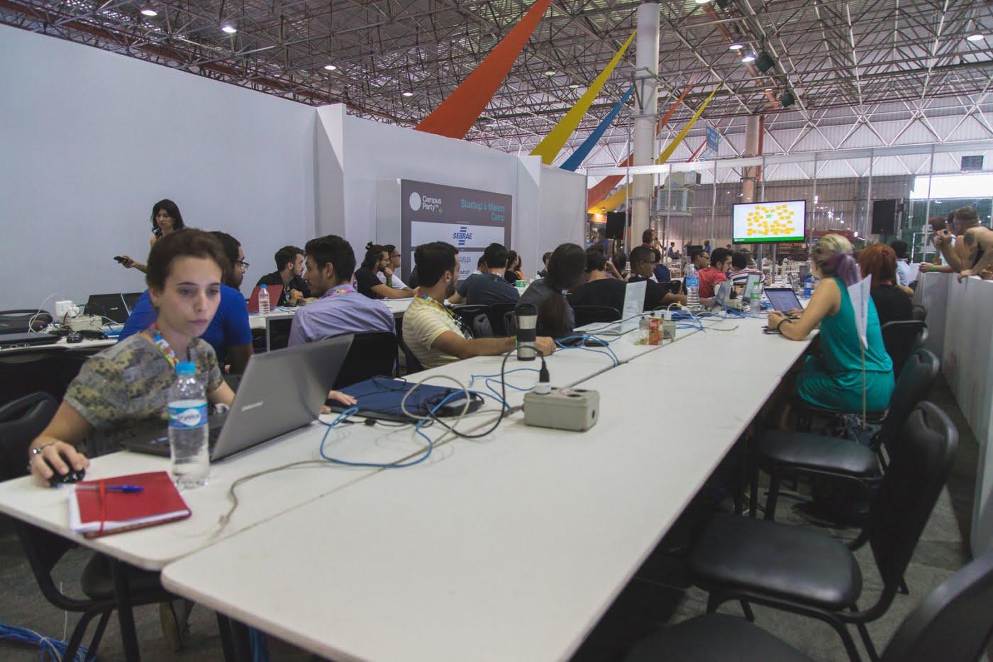 Área dedicada a startups e makers é um dos destaques desta edição da feira