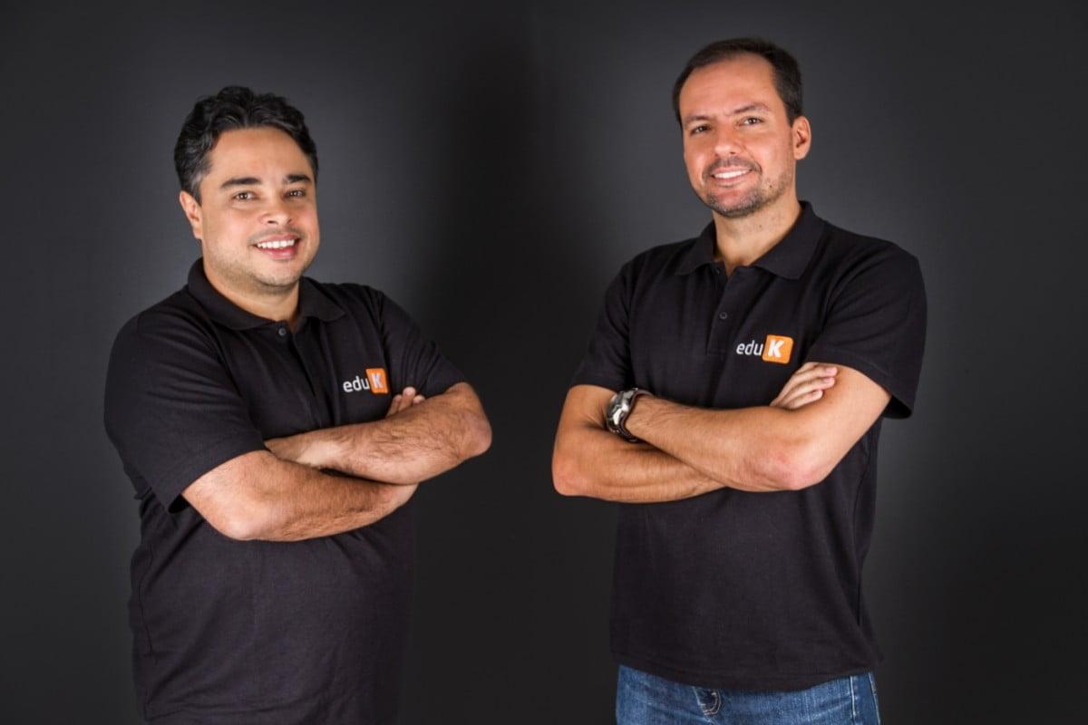 Robson Catalan e Eduardo Lima, sócios da eduK, chamaram também o técnico de vôlei Bernardinho para a startup de ensino online (foto: Luiz Padovan/eduK).