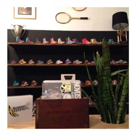 Corner vinil Insecta Shoes.