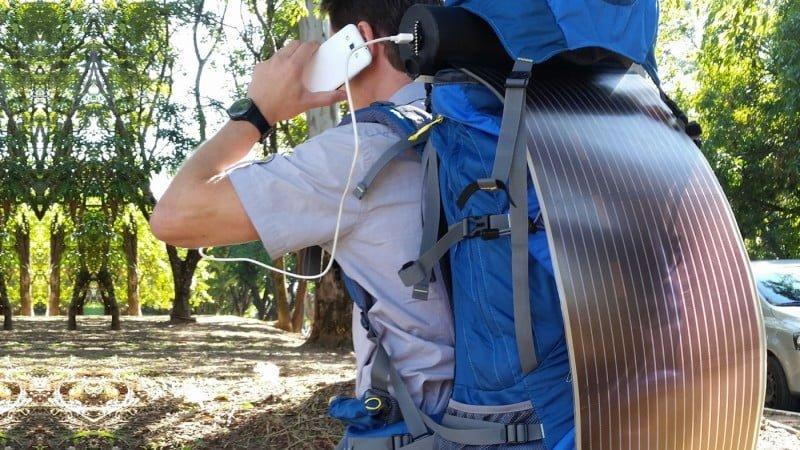 Com o OPV, uma mochila pode se transformar num ponto móvel de recarga