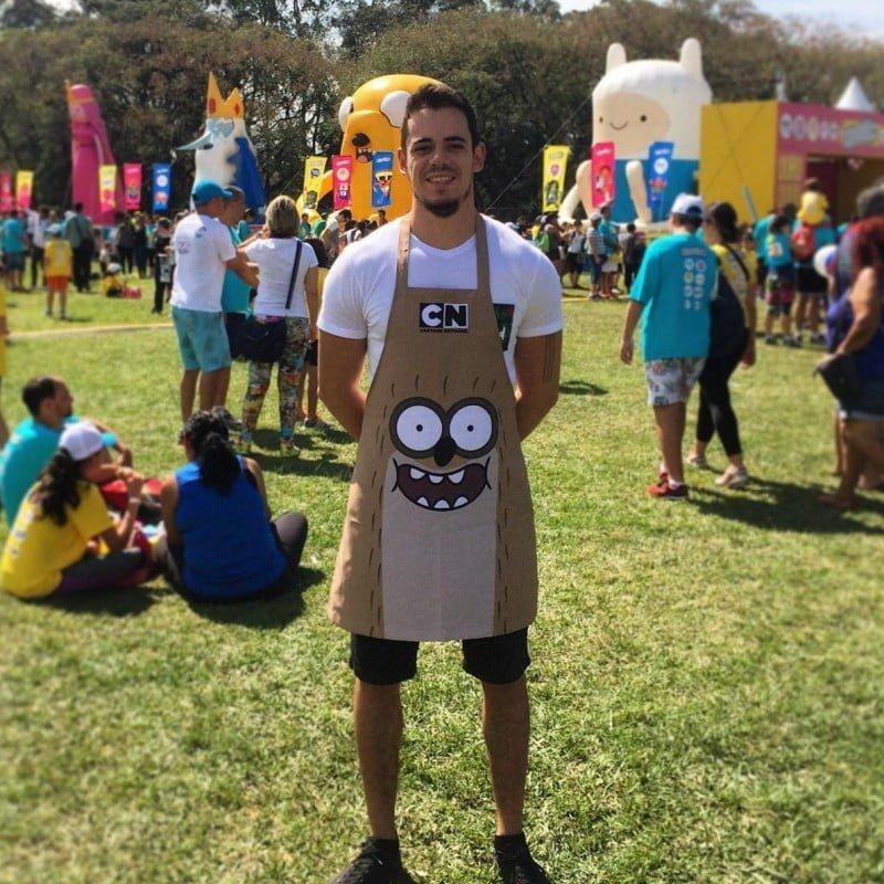 Thiago num dos eventos (este, da Cartoon Network) em que vendeu os picolés da Naked.