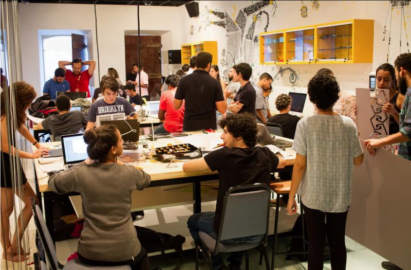 O Louco é um makerspace bem equipado, onde os inovadores do Porto Digital podem construir e testar protótipos.