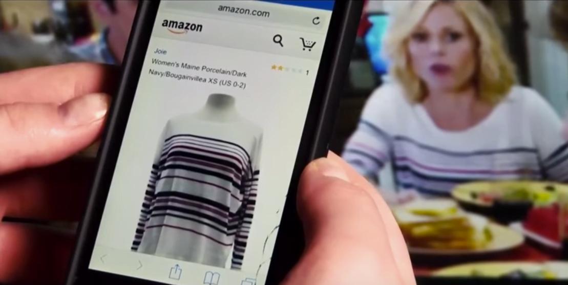 O Menkee identifica o que há na tela e oferece o produto em e-commerces, para compra imediata.