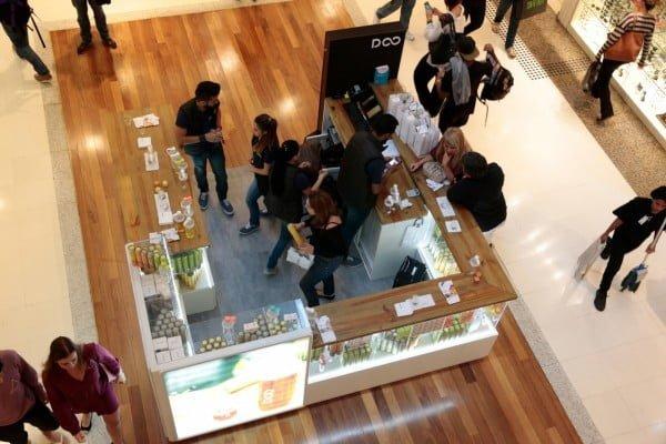 A loja no Rio de Janeiro é uma das mais recentes. A ideia era que fossem temporárias, mas a estratégia mudou por conta da reação do consumidor.