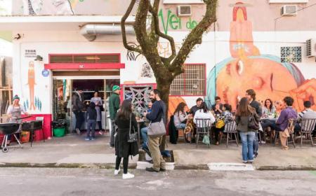 O Canto da Bel está na terceira edição. Oferece comida de chef a preços mais baixos, servida na calçada.