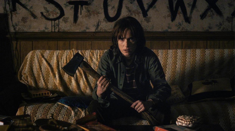 Winona Ryder é uma das estrelas de Stranger Things, série da Netflix cujo sucesso vem sendo atribuído à Cultura do Algoritmo (imagem: reprodução).