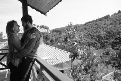 Filipe com sua agora noiva, Lívia, pedida em casamento em Monte Verde.