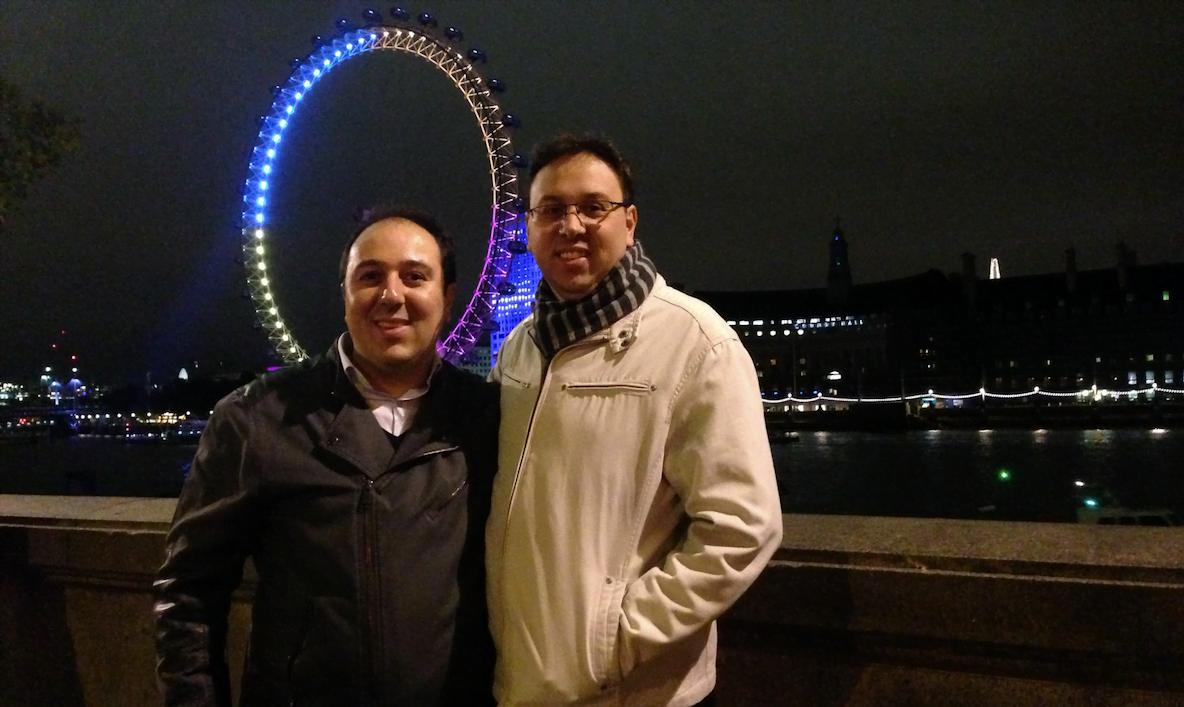 Douglas e Daniel, fundadores da Stayfilm, em Londres. A startup opera lá graças a um incentivo do governo local.