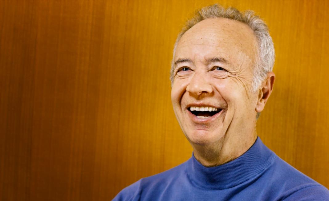 Andy Grove, enquanto era CEO da Intel, criou o método OKR, no qual os times definem os objetivos a serem alcançados na empresa. Grove também foi mentor de Steve Jobs, entre outros feitos (imagem: reprodução internet).