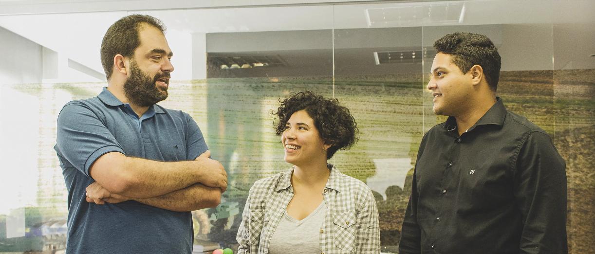 Os sócios-fundadores da Strider: Luiz Tângari, CEO, Gabriela Mendes, growth hacker, e Carlos Gonçalves, CTO.