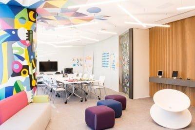 No Co-criation Center da Visa prototipam-se produtos usando Design Thinkins e inovação aberta.